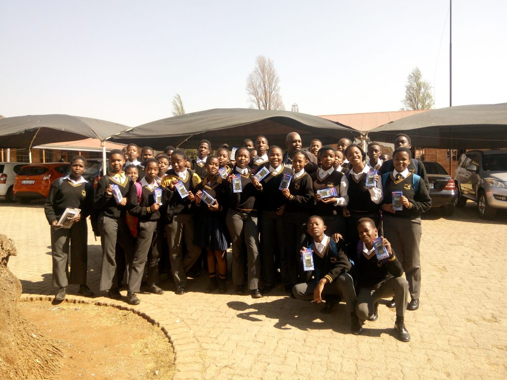 The learners who received calculators at Tlakula High